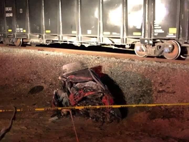 Photo of 4 muertos por choque de auto contra tren