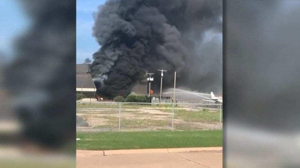 Photo of Mueren 10 tras estrellarse avión en aeropuerto de Texas