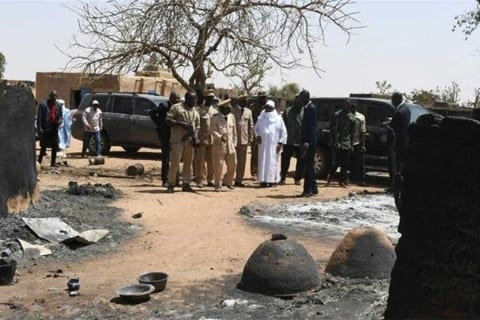 Photo of Ataque armado deja al menos 100 muertos