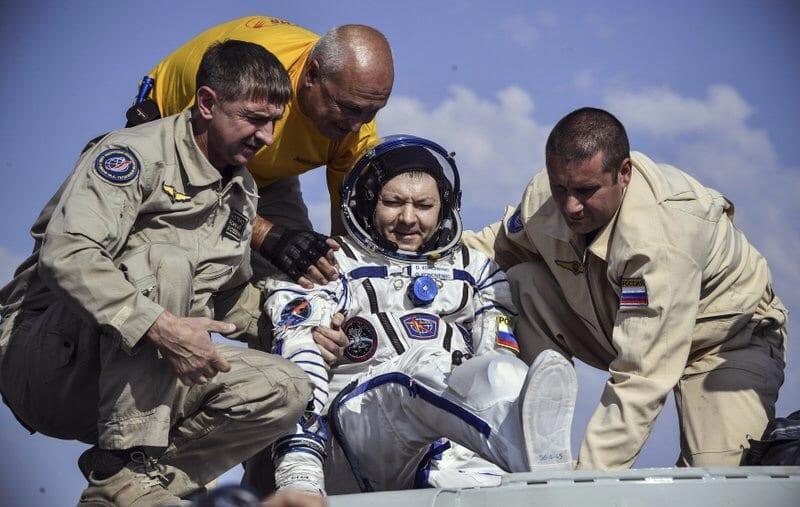 Photo of Regresan a tierra 3 astronautas de Rusia, Canadá y EEUU