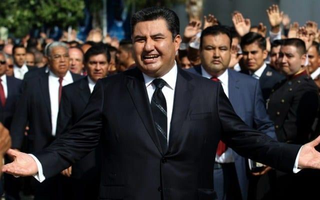 Photo of Orgías, perversiones y lujos reveló el celular de Naasón Joaquín