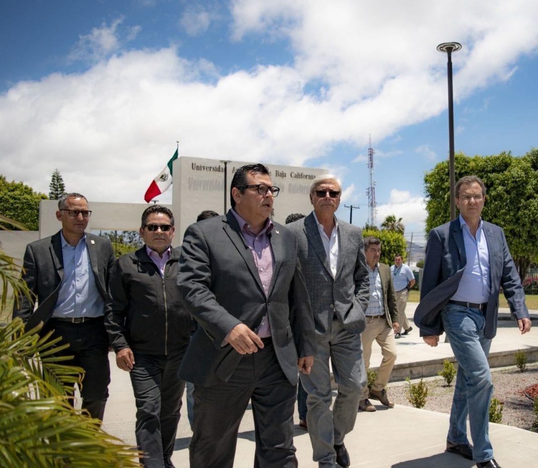 Photo of Gestiona Bonilla visita del titular  de Educación a la UABC