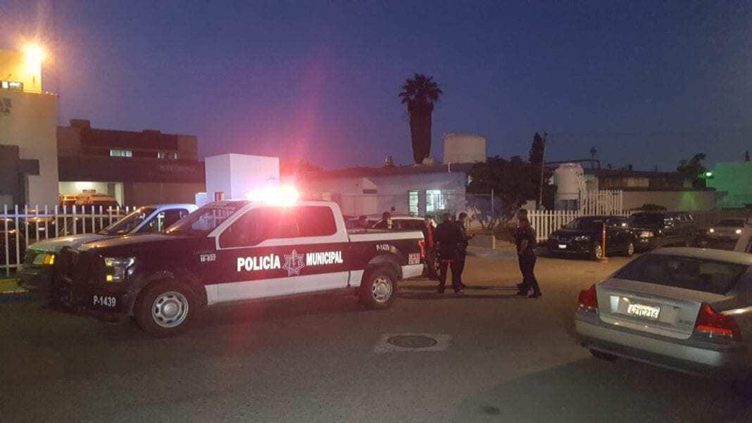 Photo of Atacan a policía en San Antonio del Mar; hay un muerto