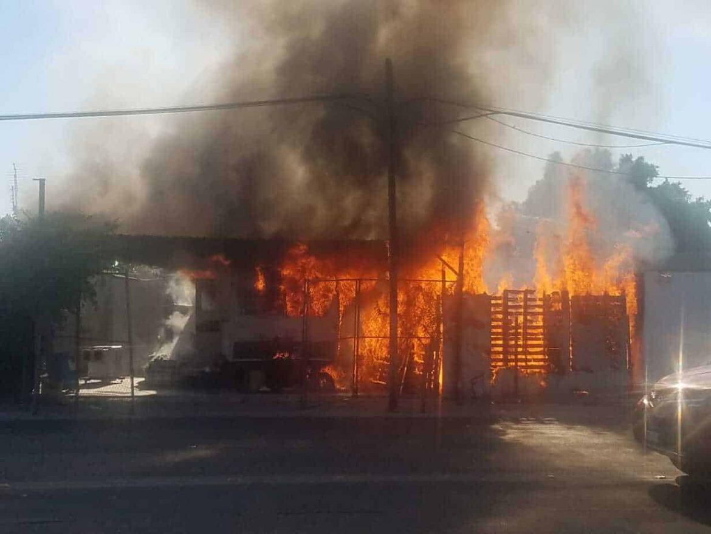 Photo of Incendio envuelve a hombre de 94 años en su casa
