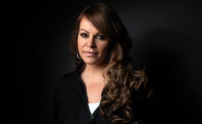 Photo of Narco humilló a Jenni Rivera, la obligó a practicarle sexo oral en público
