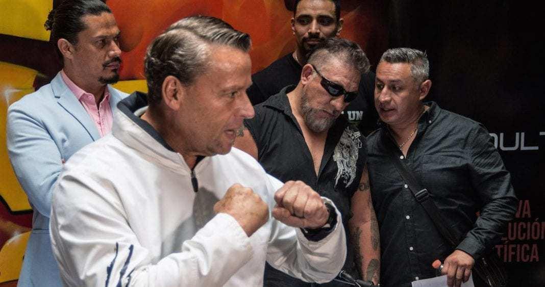 Photo of Carlos Trejo publica número de Adame y lo atiborran de mensajes