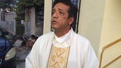 Photo of Asesinan a puñaladas a sacerdote dentro de templo