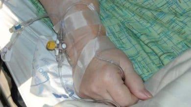 Photo of Mujer con cáncer y abandonada por su familia es adoptada por enfermera
