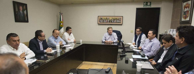 Reunión de funcionarios