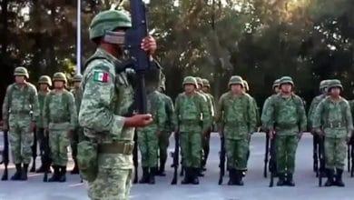 Photo of Familias de militares huyen de Culiacán