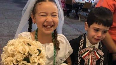 Photo of Niño desconsolado por su 'boda' en kermés