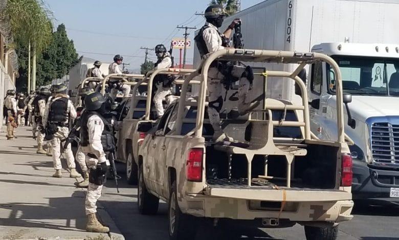 Photo of Ejército con Guardia Nacional y Aduana sobre autos chocolate en operativo sorpresa
