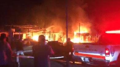 Photo of Infierno en Alamitos: tres casas quemadas, dos bomberos heridos