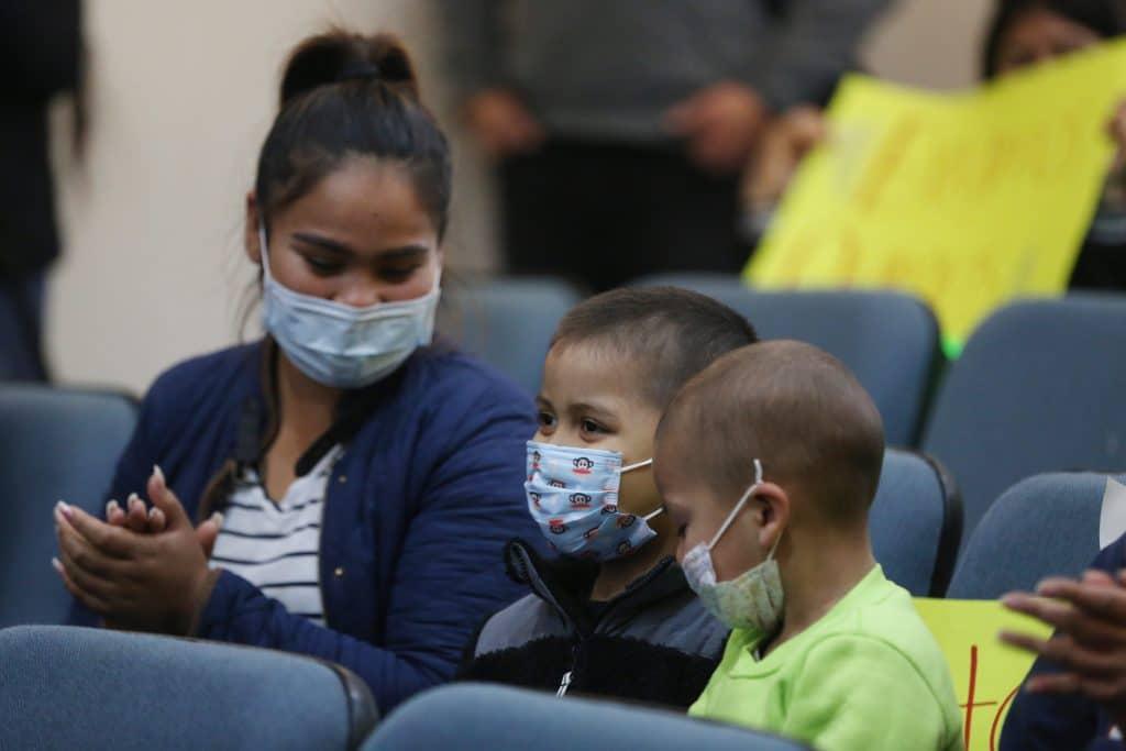 Niños con cáncer en Tijuana llevan seis semanas sin recibir quimioterapia