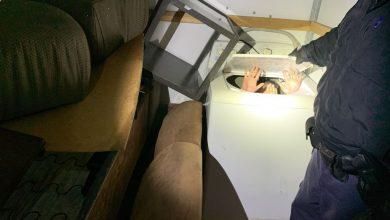Photo of Entre muebles intentaron cruzar a 11 chinos por San Ysidro
