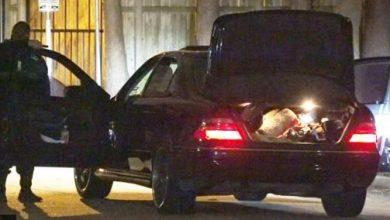 Photo of En persecución policíaca, hombre salta del auto con bebé en brazos
