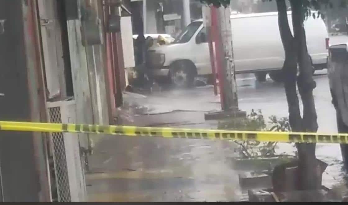 Dejan cadáver encobijado en Zona Centro
