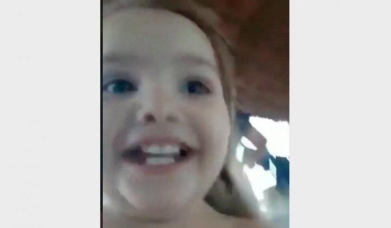 Photo of VIDEO: Ella quería perrear, una bebé le roba el show