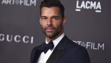 Photo of Ricky Martin presume su 'paquete' y enciende la red