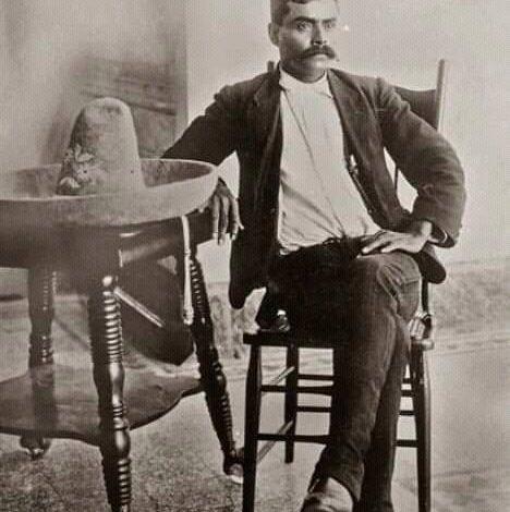 Photo of La historia tiene una versión de Emiliano Zapata sobre su sexualidad