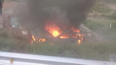 Photo of Cae a barranco y explota camioneta