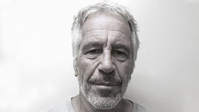 Photo of Revelan imágenes de la autopsia de Jeffrey Epstein