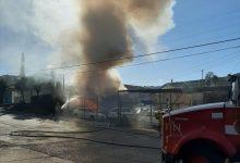 Photo of Se incendia local de venta de autos usados