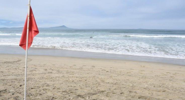Photo of Cierran playas por derrame de aguas negras