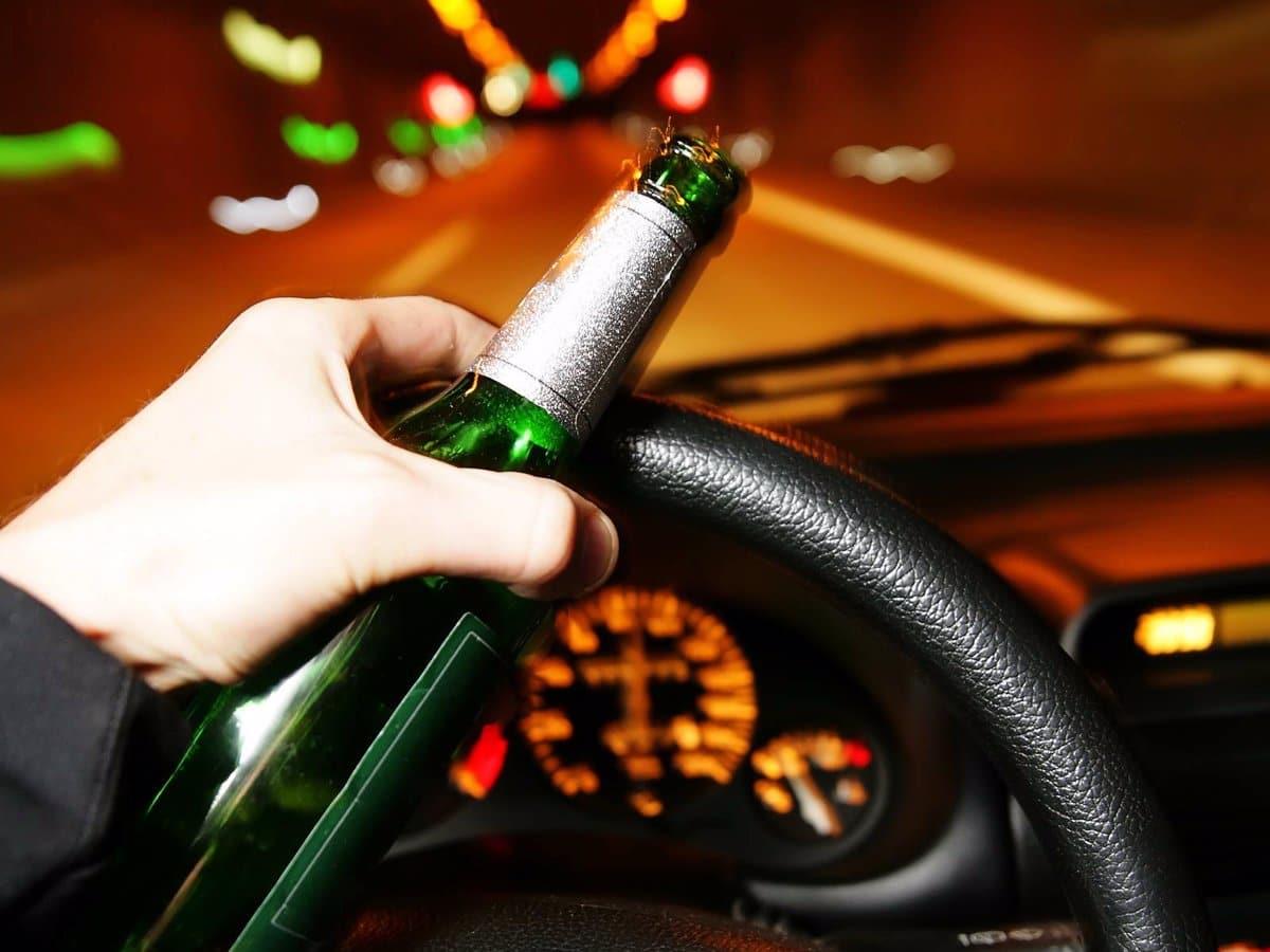 Doblan multa para quien conduzca alcoholizado