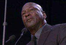 Photo of Michael Jordan llora durante su discurso en homenaje a Kobe Bryant