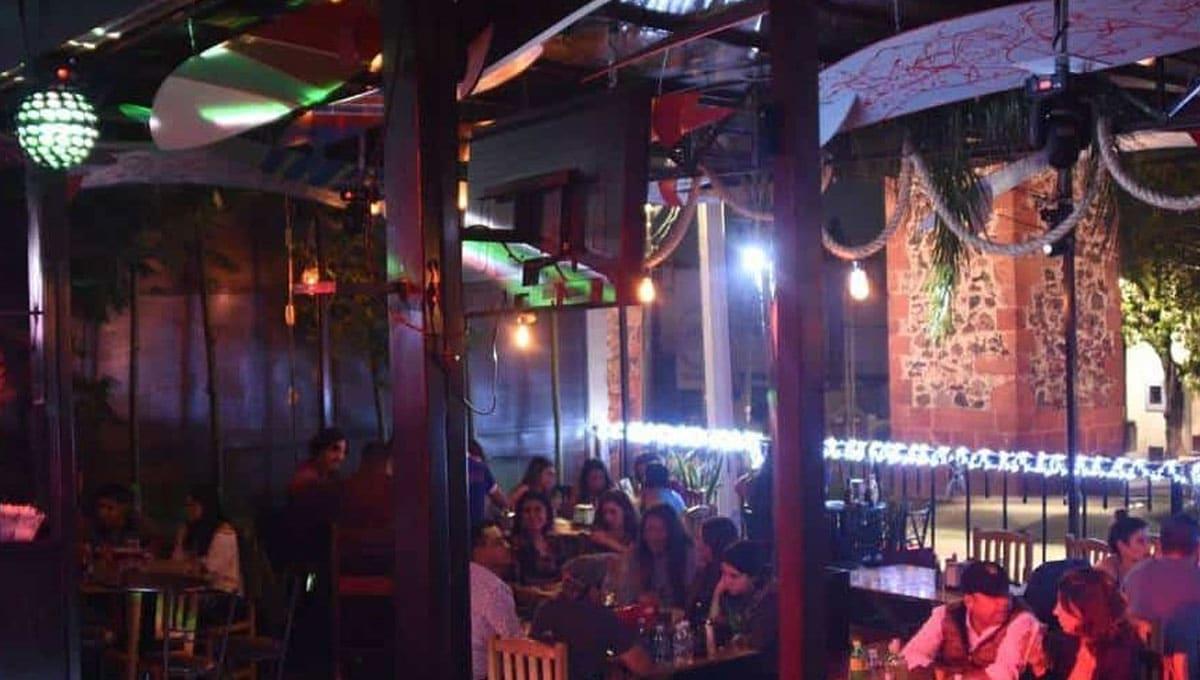 Clausuran cuatro bares por no acatar cierre