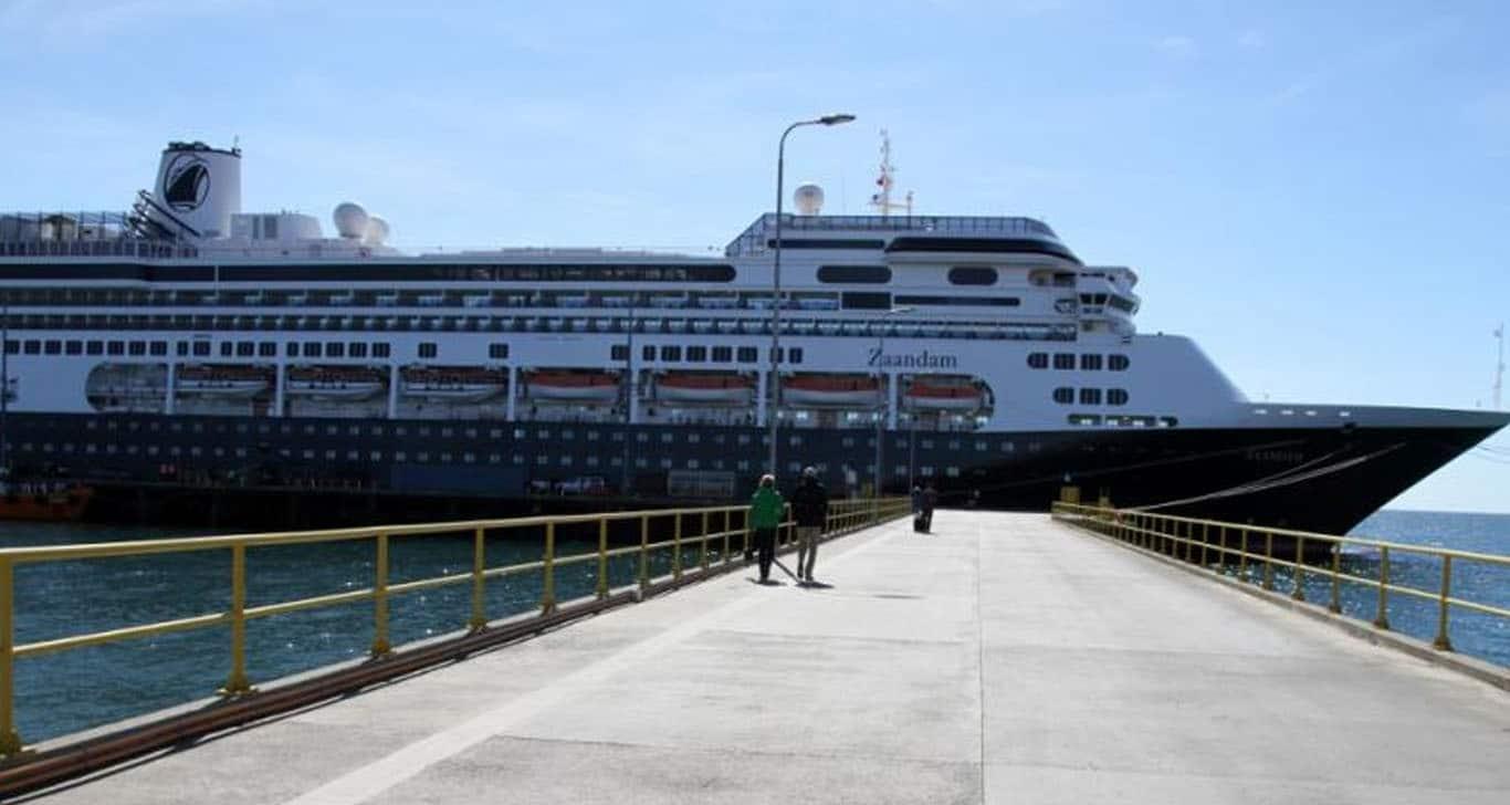 Crucero deambula en el Pacífico, lleva pasajeros con síntomas de gripe