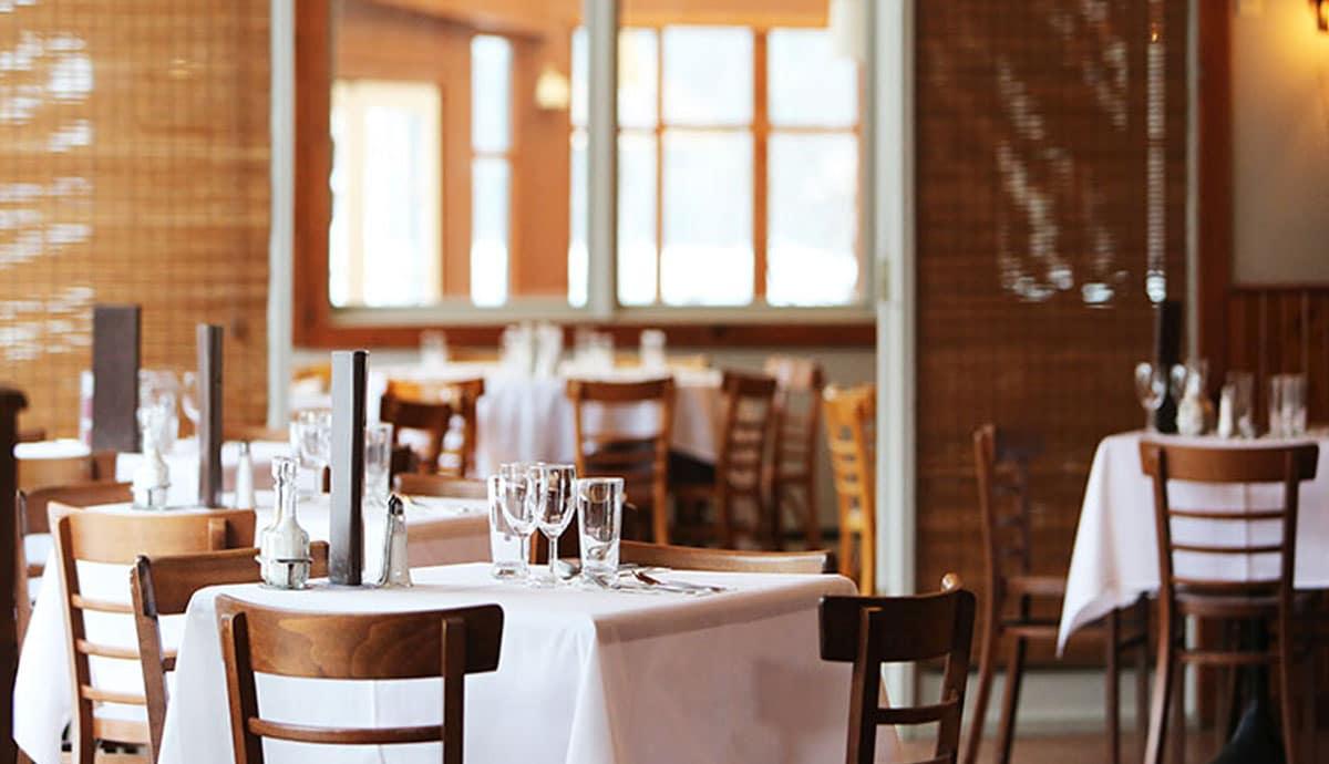 Empresarios rechazan nuevos cobros a restaurantes, hoteles y comercios