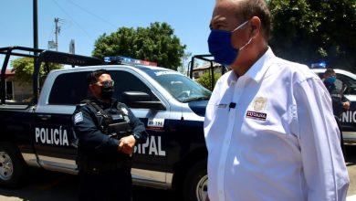 Photo of González Cruz entrega 11 patrullas en La Mesa