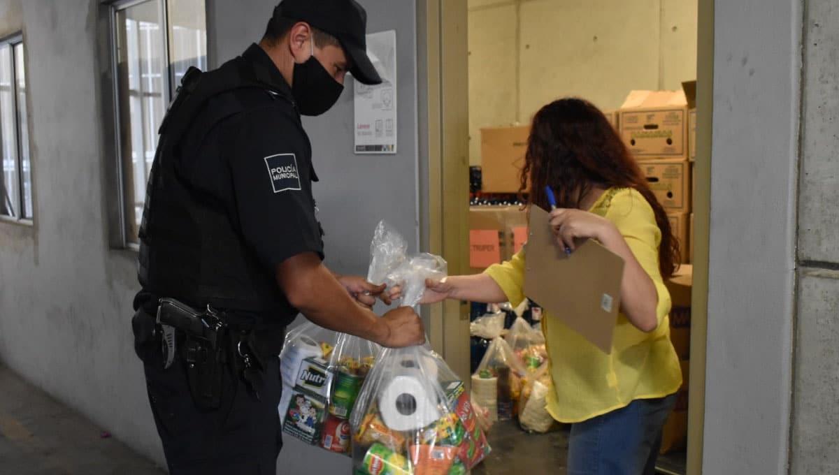 SSPCM entrega despensas a las familias de oficiales caídos