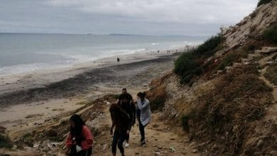 retiran-decenas-de-personas-que-iban-a-playas-de-tijuana