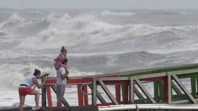 VIDEO-Huracán-Hanna-toca-tierra-es-tormenta-categoría-1