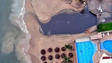 otra-vez-vierten-aguas-negras-al-mar-en-acapulco