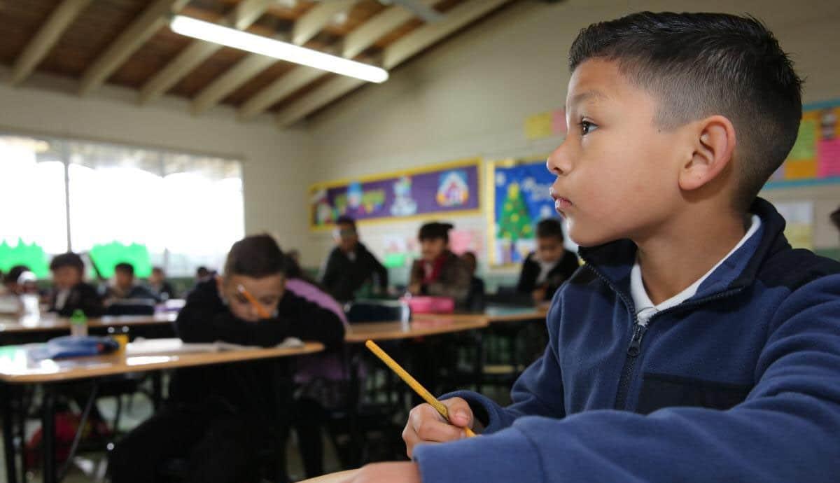 Alumnos-de-dos-estados-regresarían-a-clases-presenciales-en-octubre