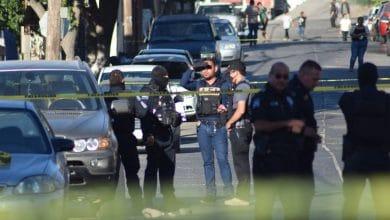 Photo of Asesinan a dos a bordo de camioneta BMW; a otro cerca de mercado