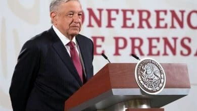 Photo of AMLO propone rifar terrenos
