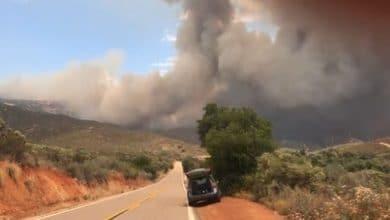 Photo of VIDEO: Voraz incendio provoca  evacuaciones en San Diego