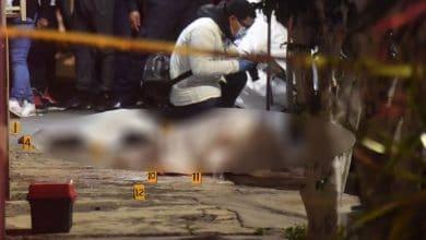 Photo of Sicarios a bordo de motocicleta matan a menor de edad y a mujer