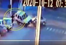 Photo of VIDEO: Vuelca camioneta tras fuerte choque