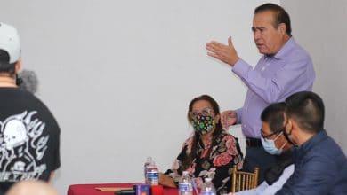 Photo of Arturo González atiende invitación de líderes de comités