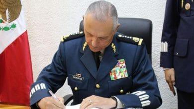 Photo of Detienen al general Salvador Cienfuegos, exsecretario de Defensa