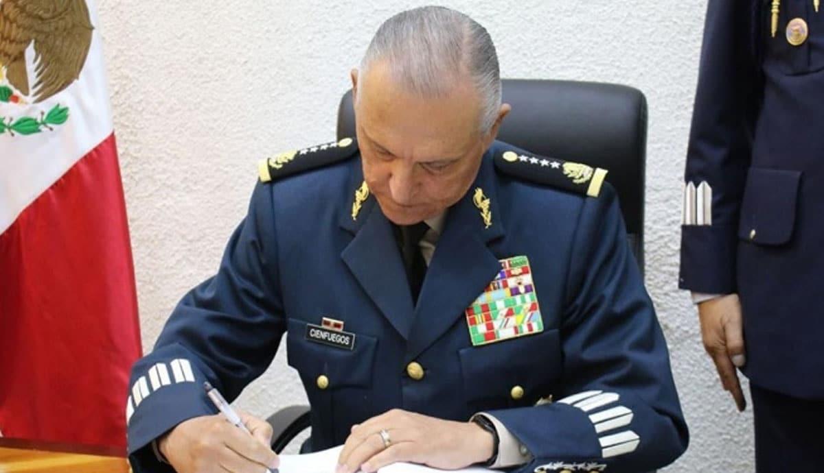 Detienen-al-general-Salvador-Cienfuegos-exsecretario-de-Defensa