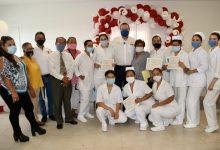 Photo of Arturo González reconoce a líderes comunitarios y enfermeros