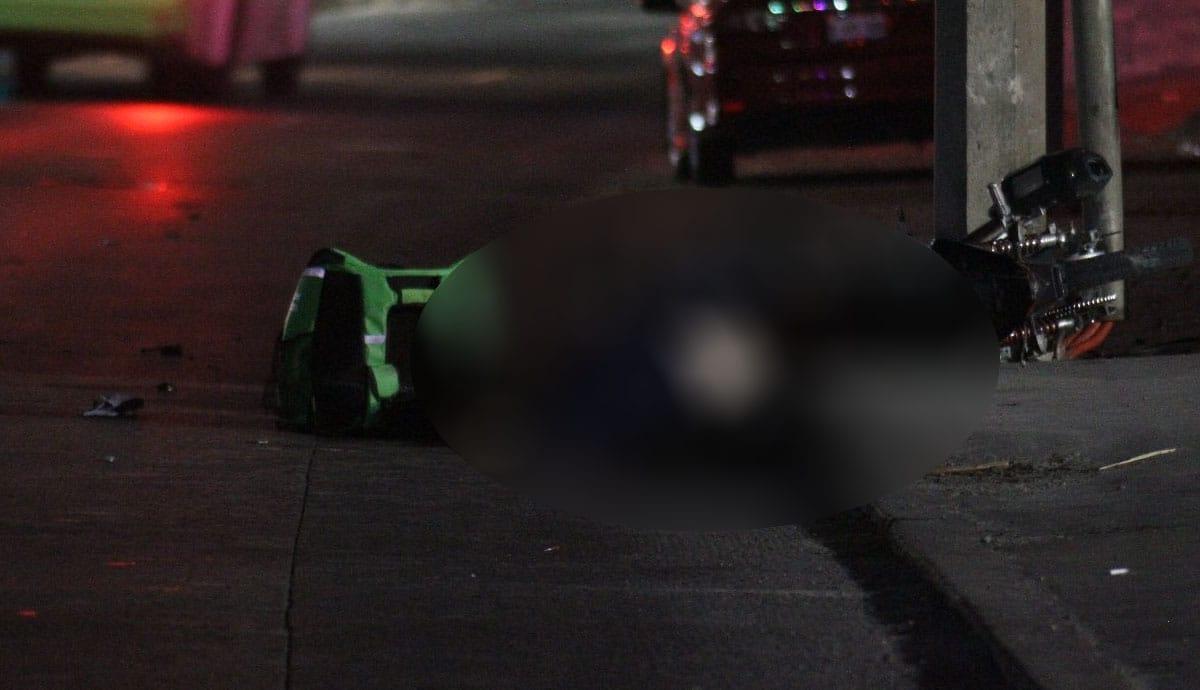 Repartidor-de-Uber-choca-contra-poste-y-muere
