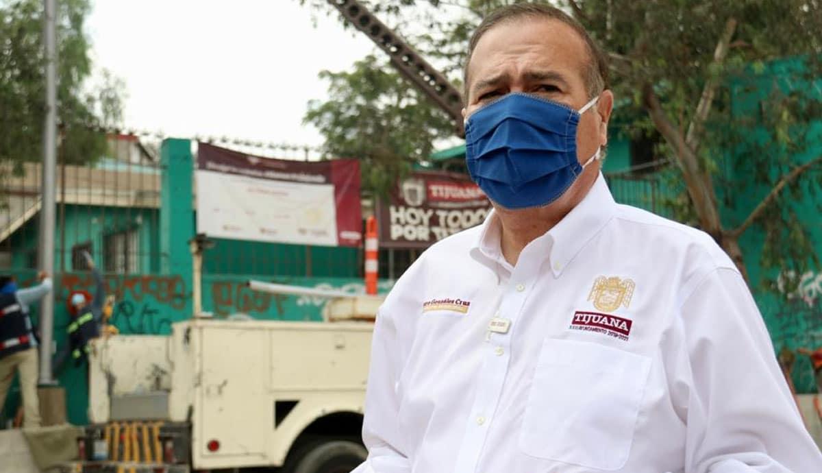 Arturo-González-entrega-parque-en-Delegación-Sánchez-Taboada
